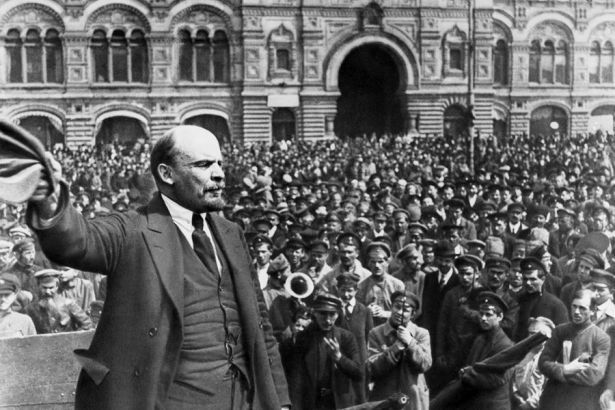http://icp.sol.org.tr/sites/default/files/19190201-russiamoscowredsquarelenin-900.jpg